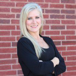 Becky Alexander : Bartender
